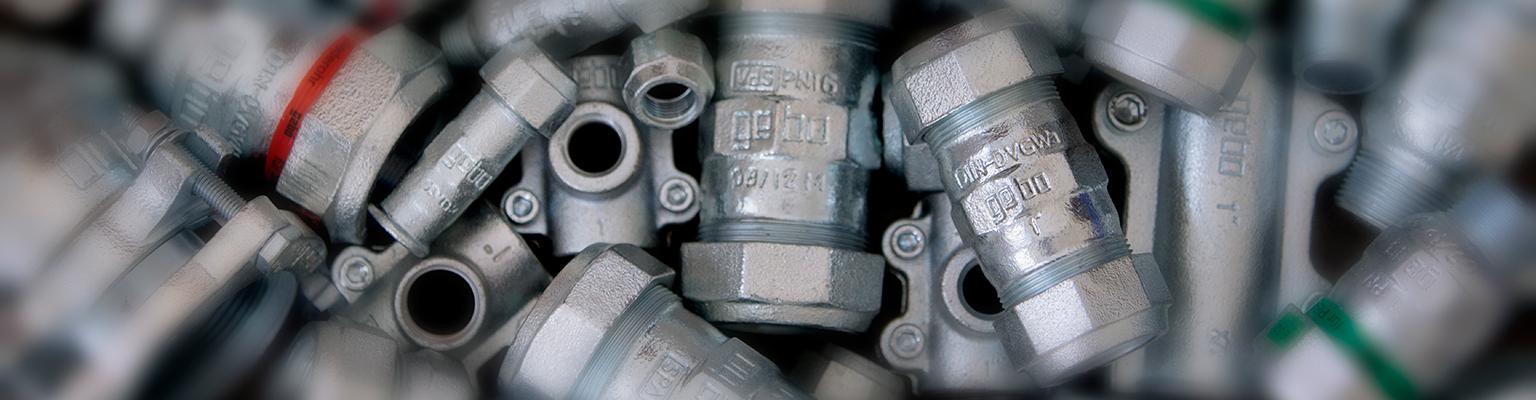 Gebo Special – złączki i łączniki zaciskowe flanszowe żeliwne do rur stalowych  (seria 150 + 220)